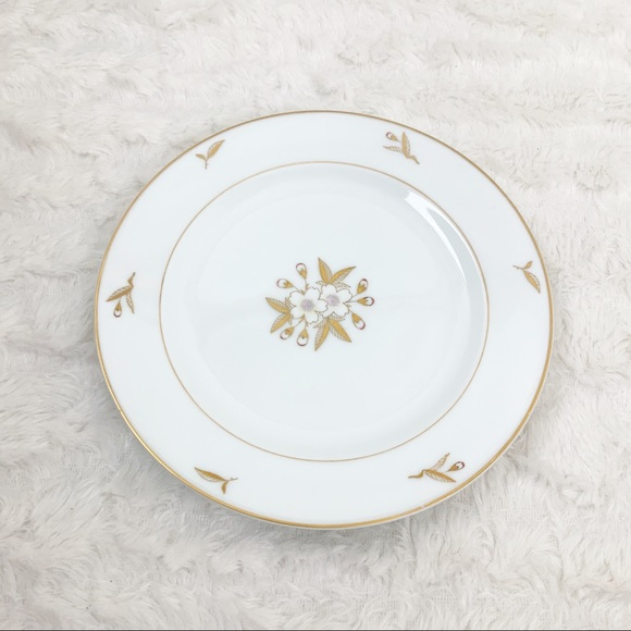 Vintage Other - Fukagawa Arita WhiteFlower GoldLeaf 6 salad plates